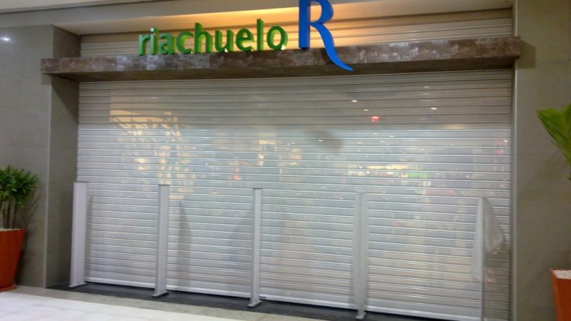 porta_de_enrolar_comercial_loja_riachuelo