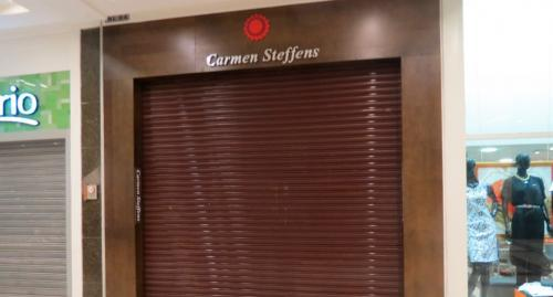 porta_de_enrolar_comercial_carmen_steffens