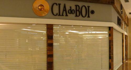 porta_de_enrolar_comercial_cia_do_boi